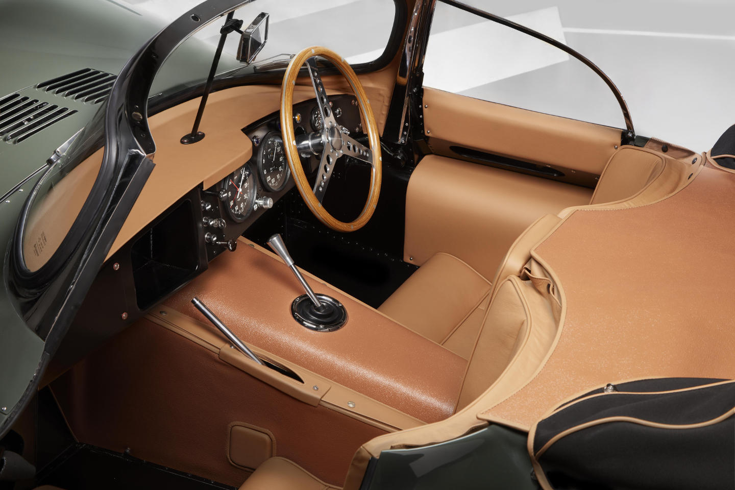 1957-jaguar_xkss-2017_interior