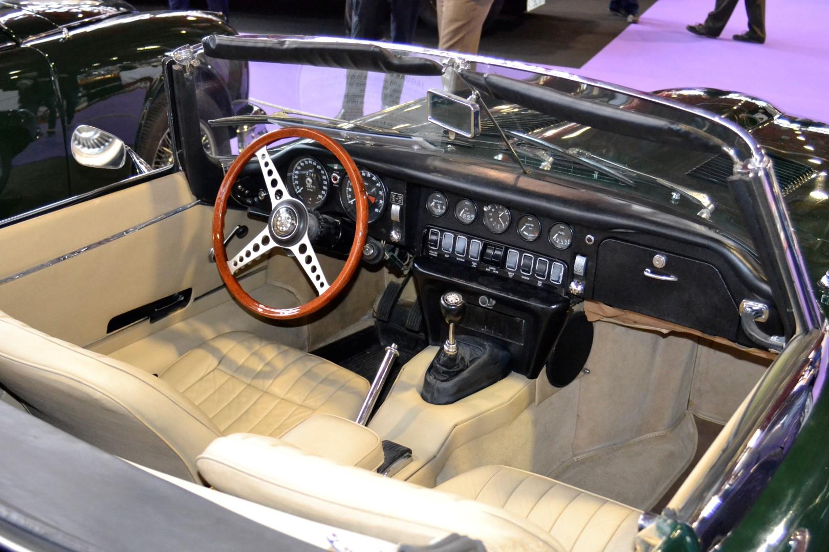 ClassicAuto2016 - Jaguar E-Type interior