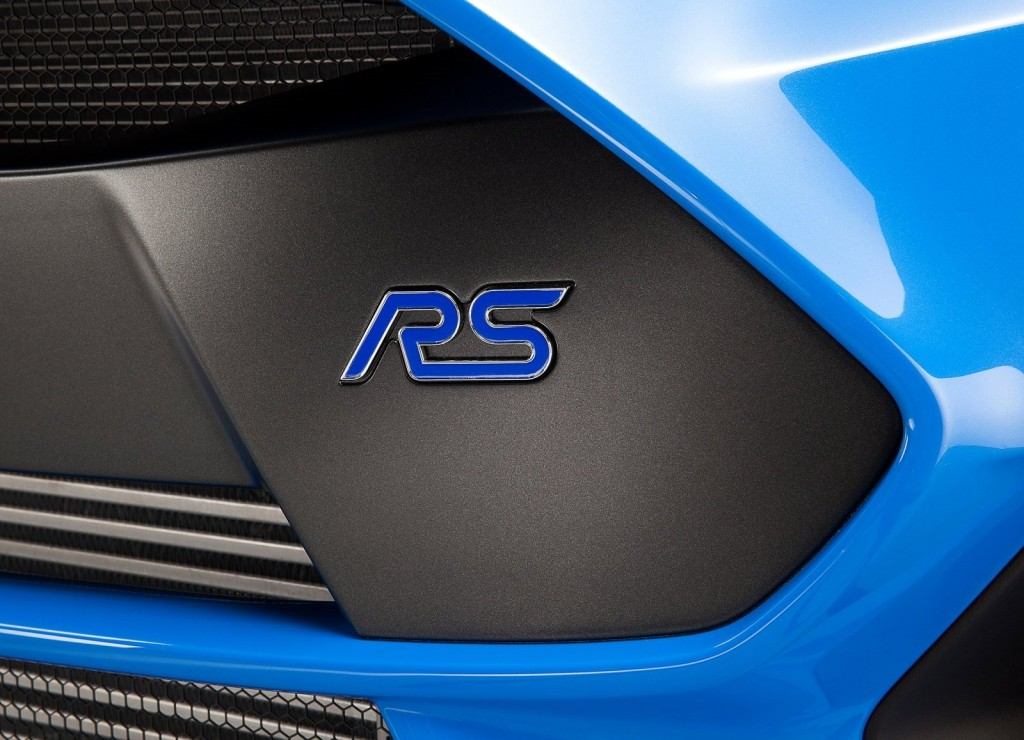 Ford-Focus_RS_2016_RS_badge