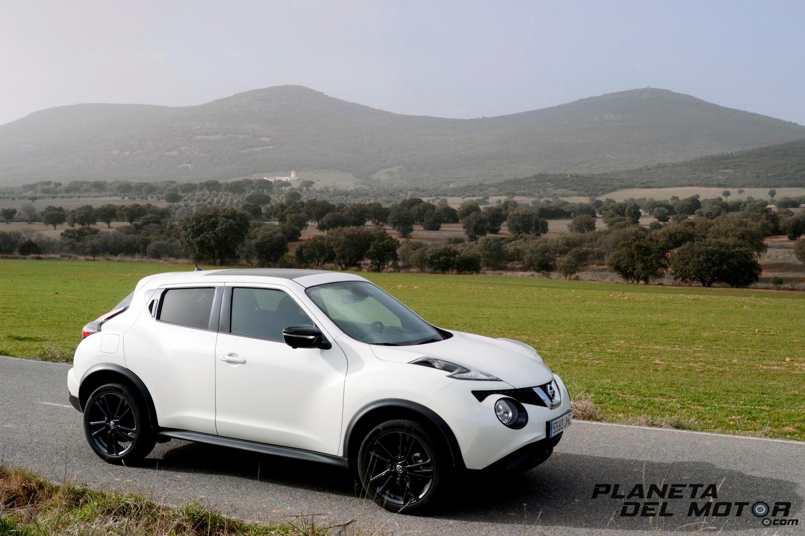 Nissan Juke Tekna_lateral_sierra de fondo