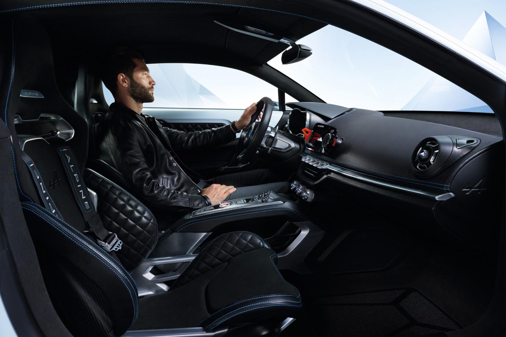Renault_Alpine_Vision_Interior_3