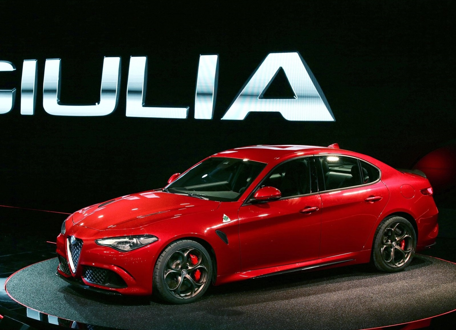Alfa_Romeo-Giulia_2016_1600x1200_wallpaper_10