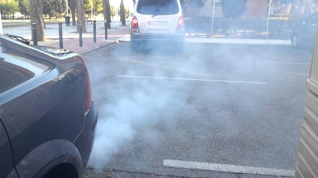humos-escape-coche-03