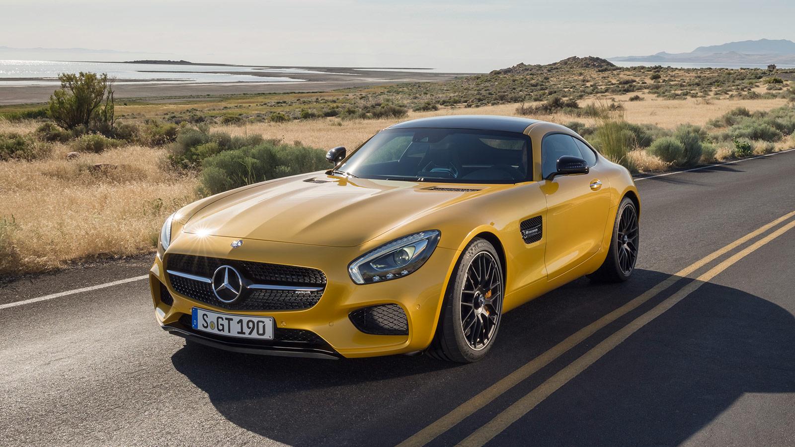 Mercedes-AMG GT S - Parado en carretera_2