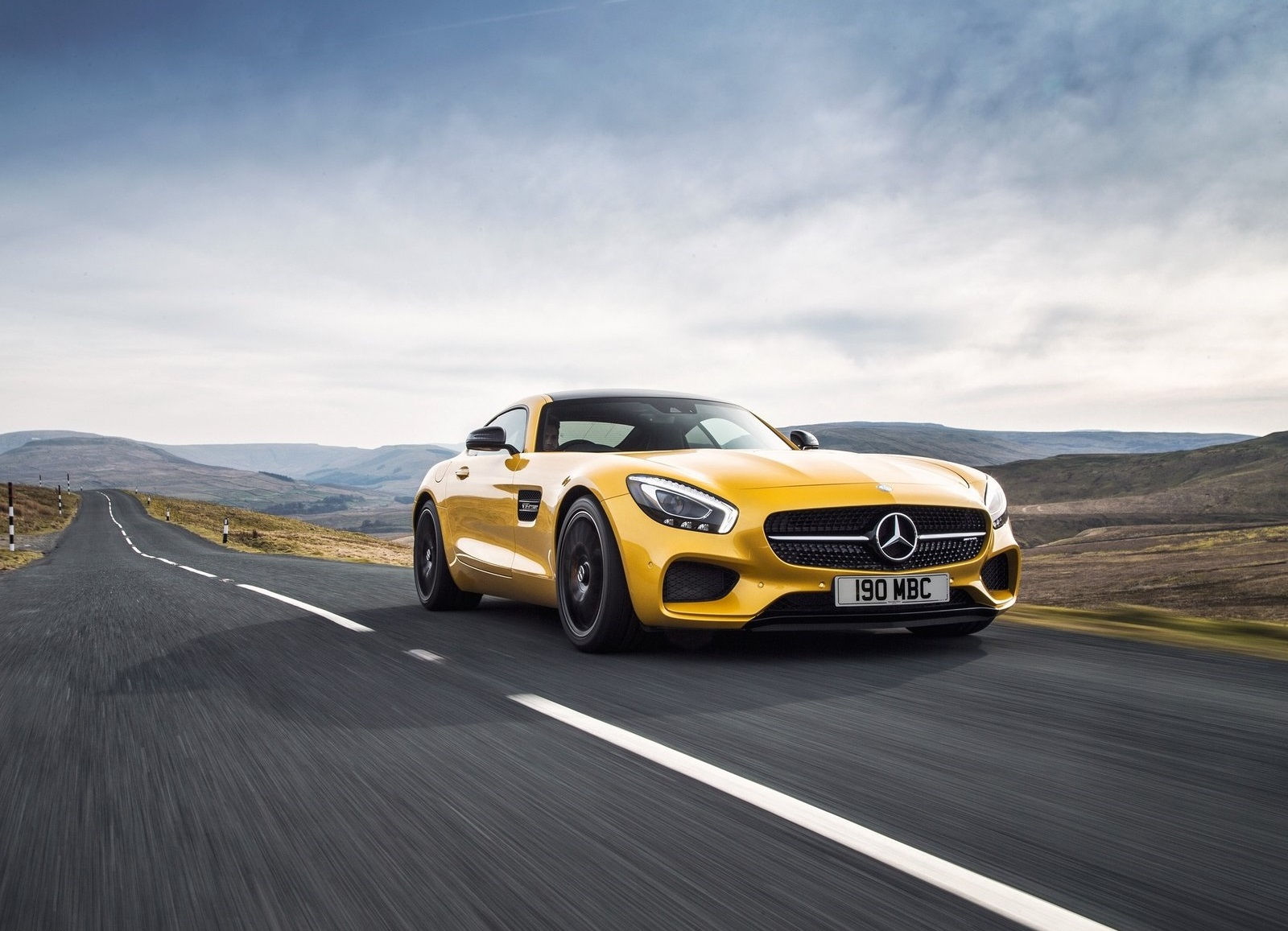 Mercedes-AMG GT S - Circulando en carretera abierta