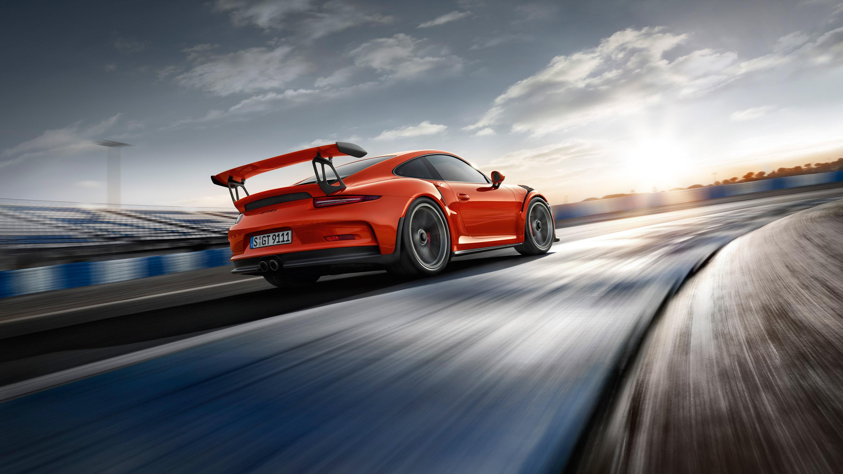 Porsche 911 GT3 RS - paso por curva_fotoprensa