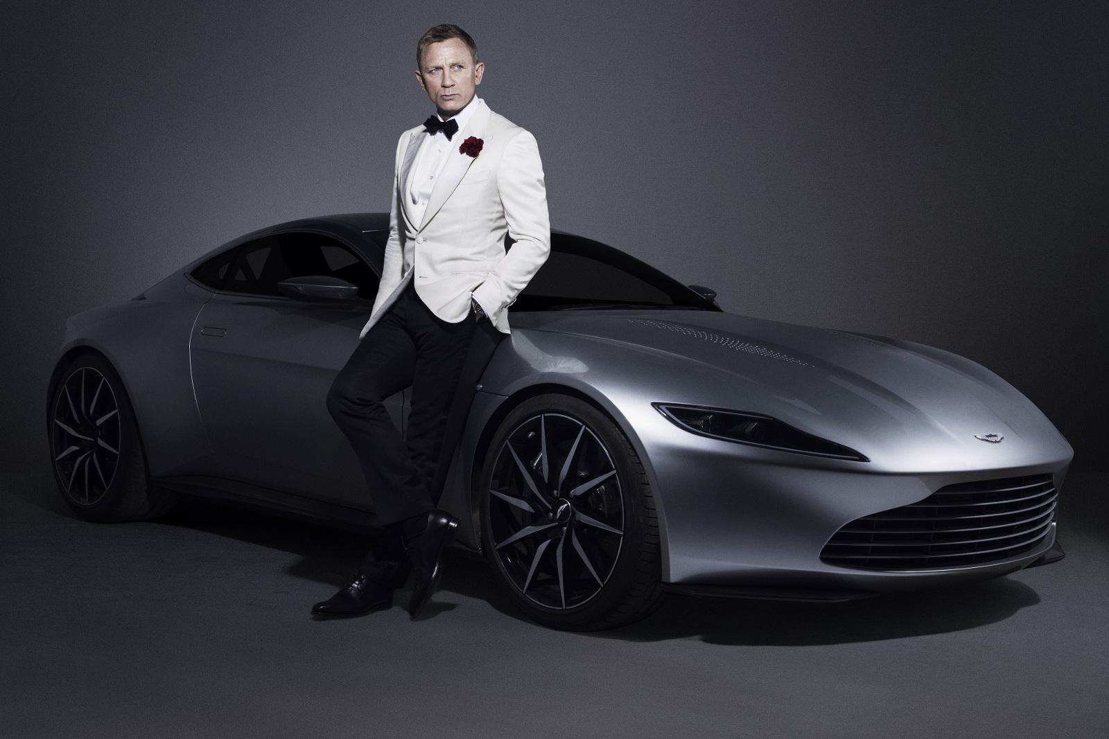 Aston Martin DB10 con Daniel Craig