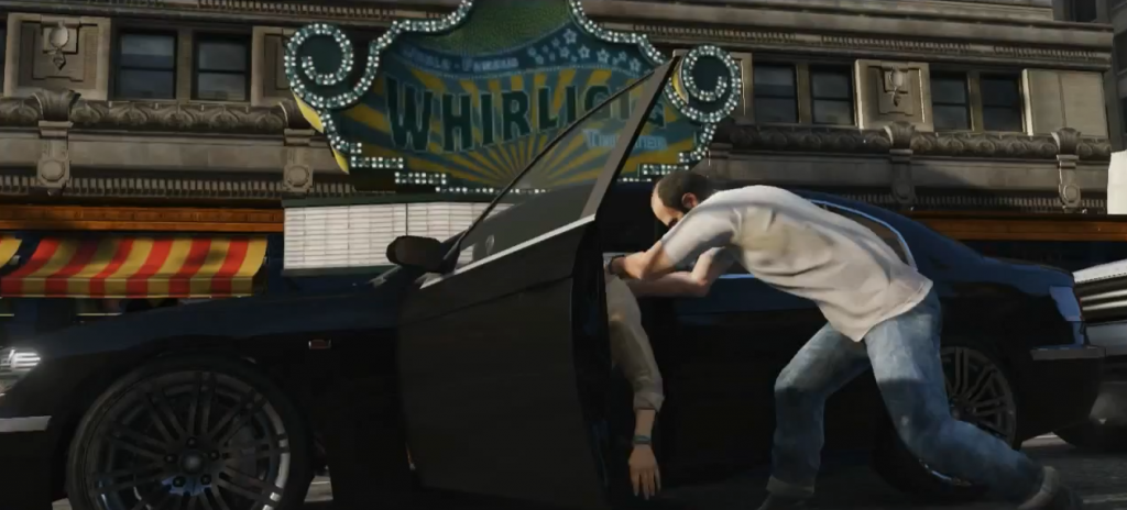 Trevor, uno de los protagonistas del último GTA, cogiendo un coche de forma poco respetuosa