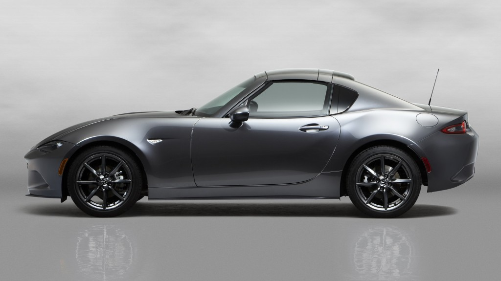 8Mazda_MX-5RF_showmodel_Side_close_bodycolorroof_white2000