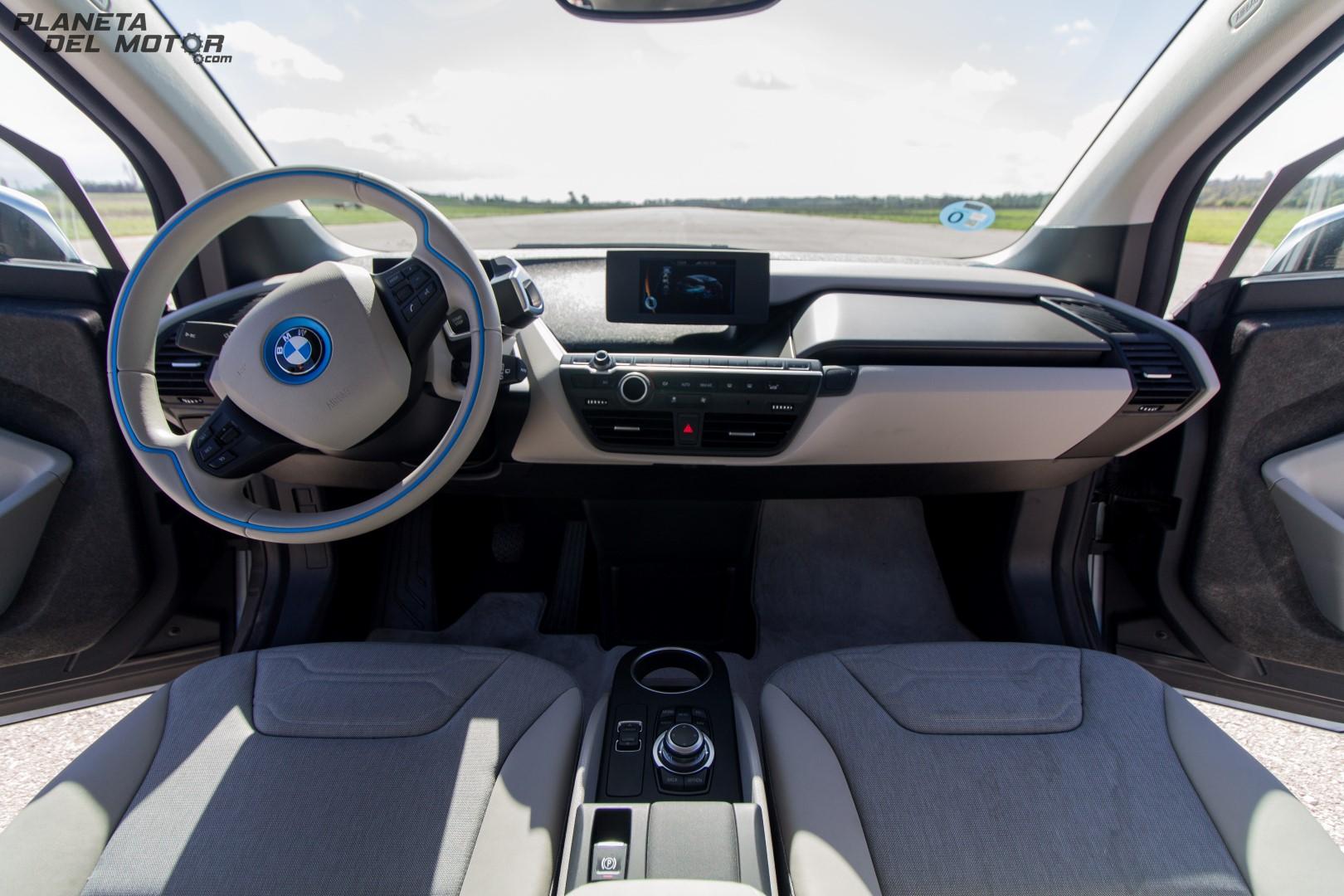 BMW i3 -87 (Large)
