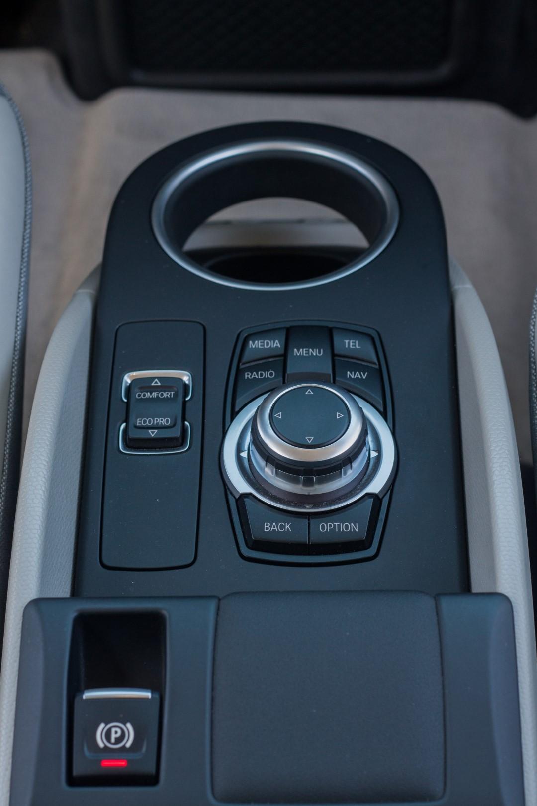 BMW i3 -99 (Large)