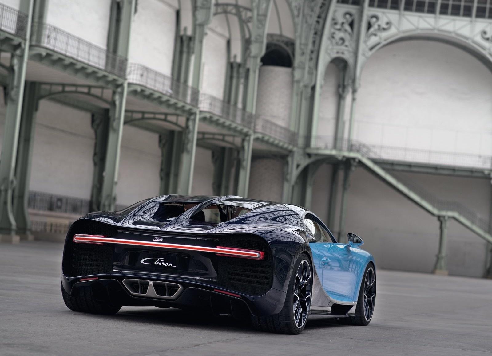 Bugatti Chiron_proceso de compra_tres cuartos trasera