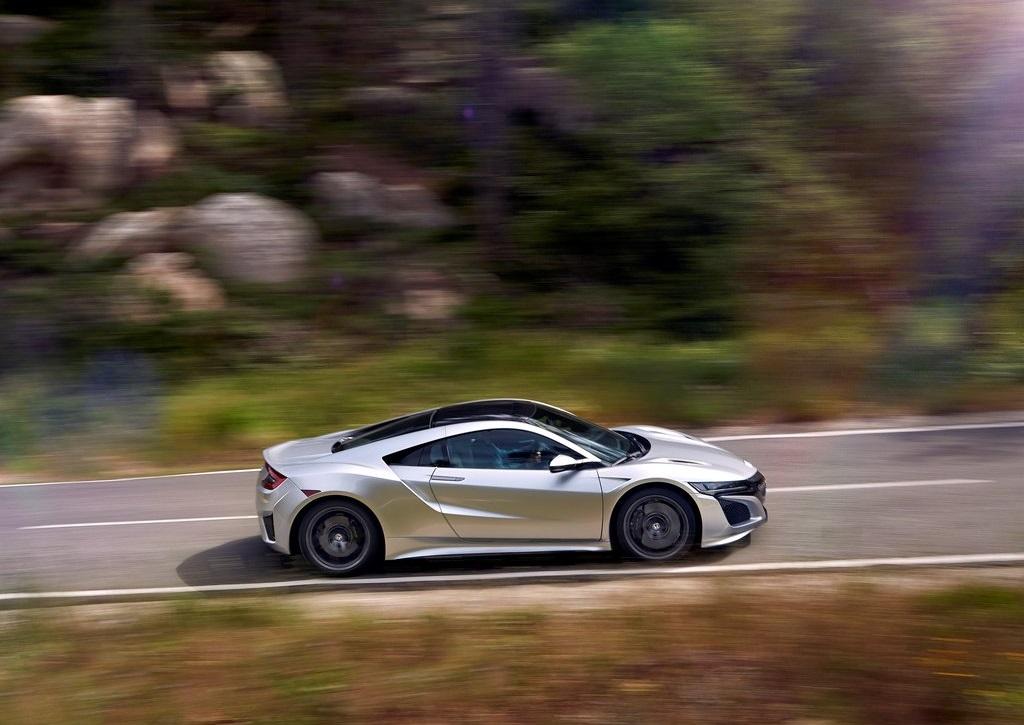 Honda NSX 2016_gris_movimiento