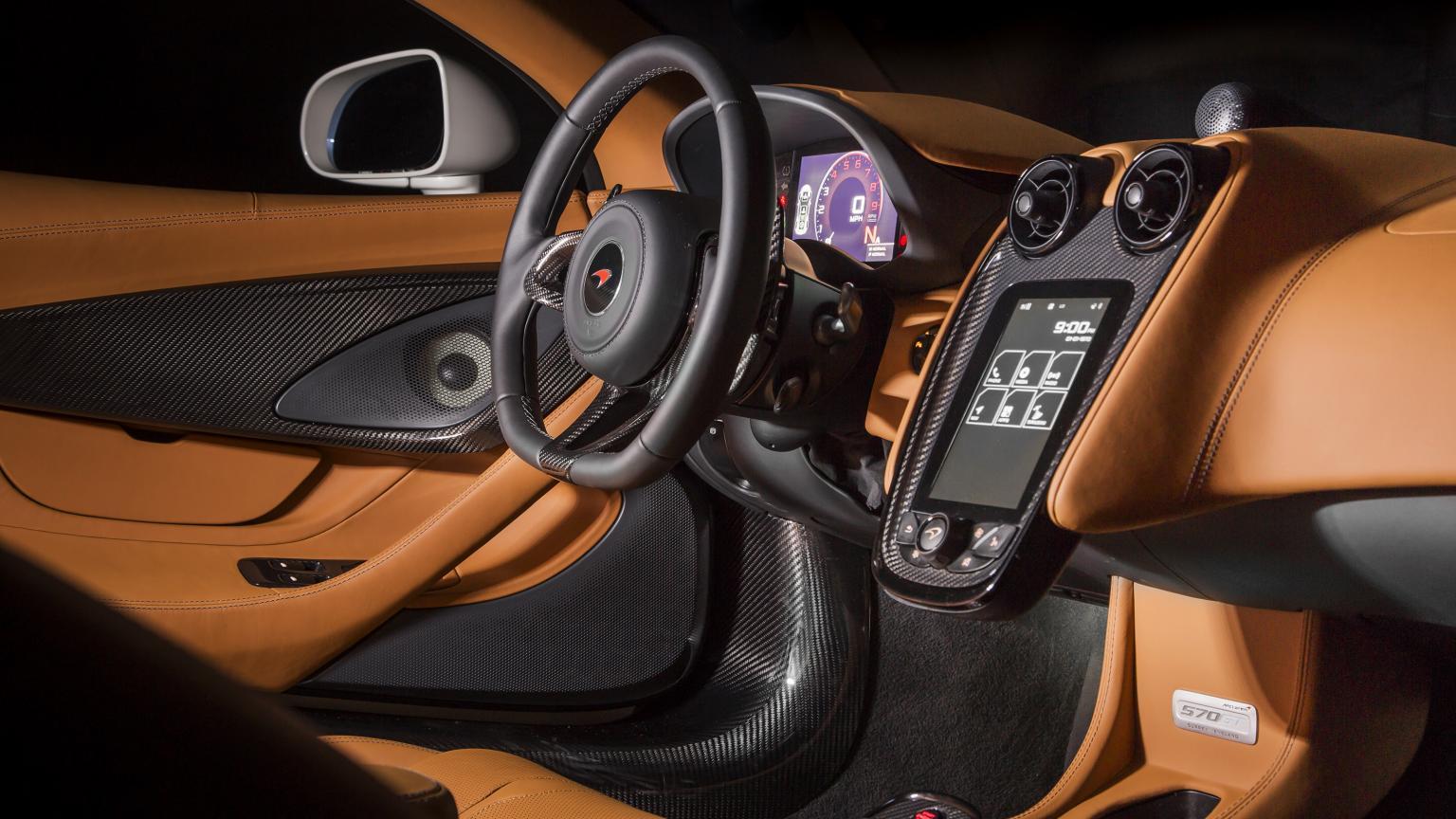 McLaren 570GT MSO_oro_interior