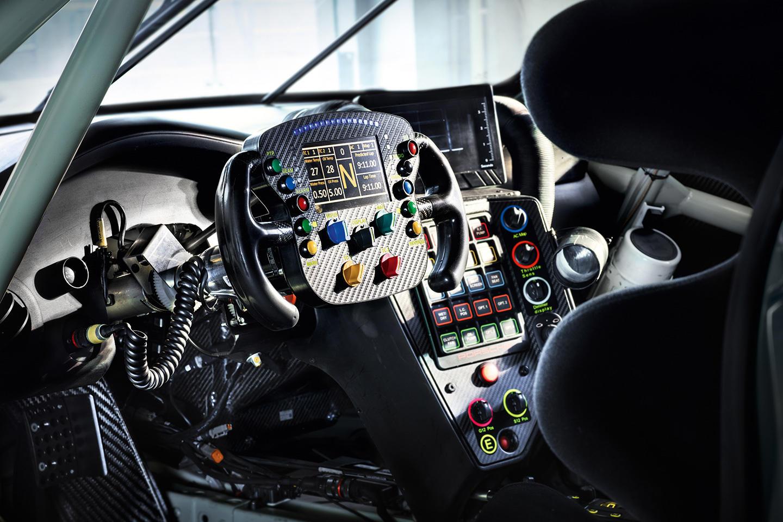 porsche-911-rsr-motor-central-04
