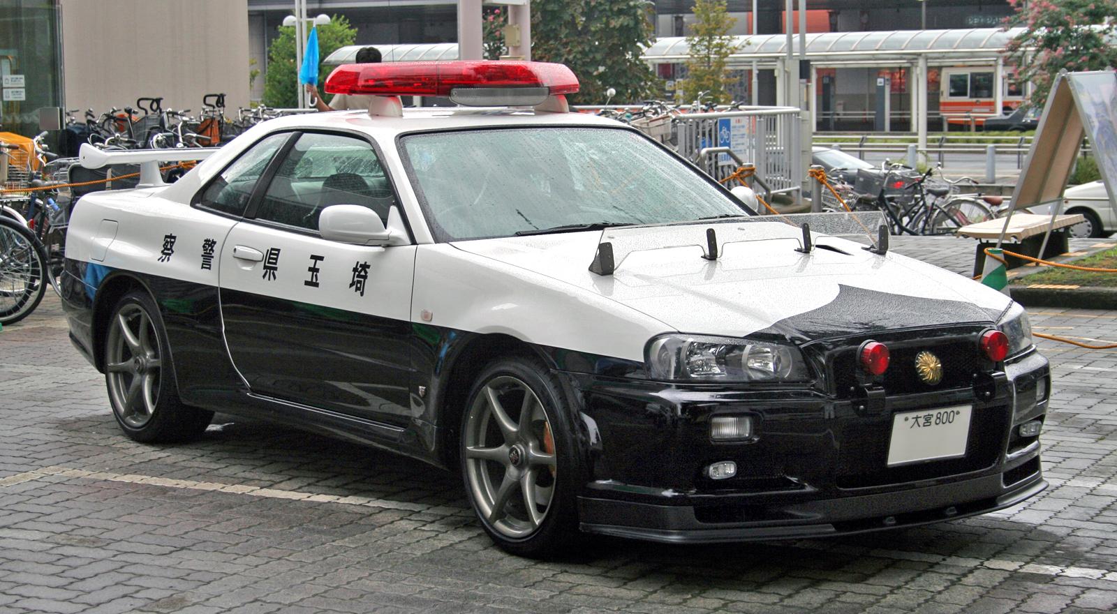 skyline_gtr_police_car