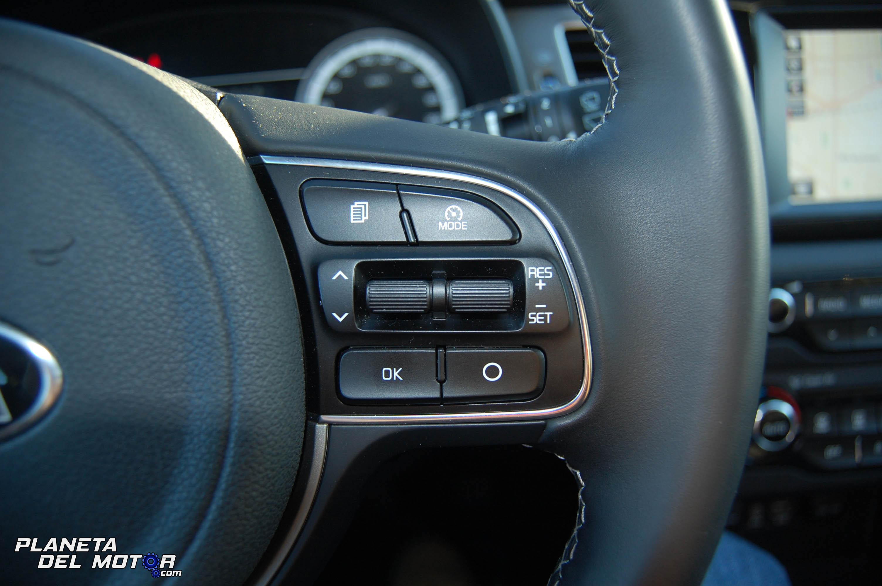 Prueba kia niro 1 6 hev drive curso acelerado de ahorro pdm - Kia niro interior ...