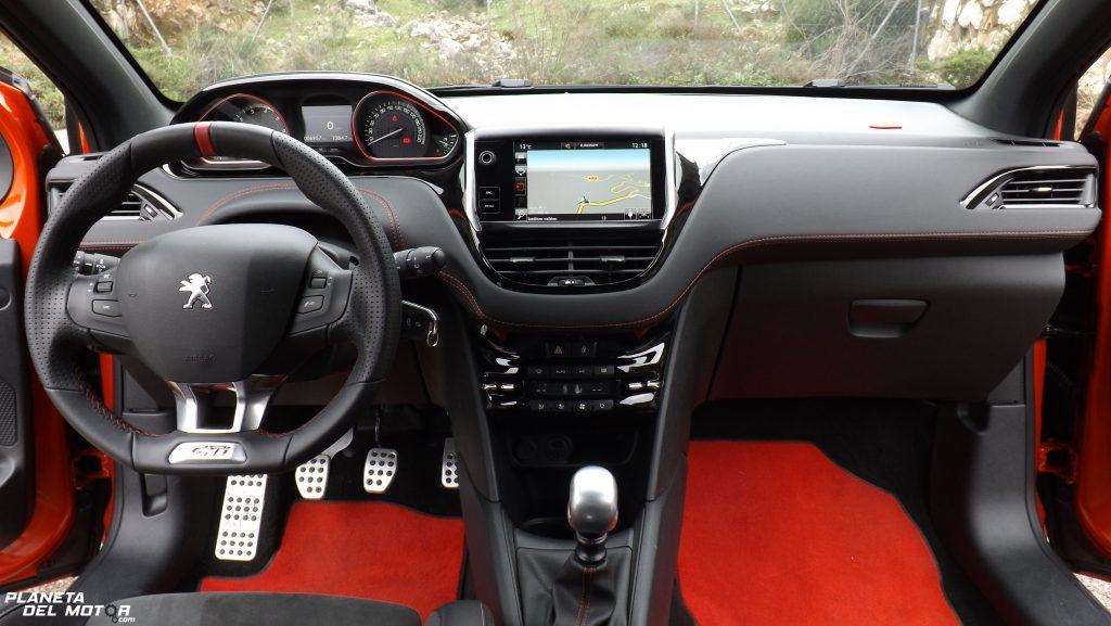 Prueba peugeot 208 gti by peugeot sport el mejor gti del for Peugeot 208 interior 2017