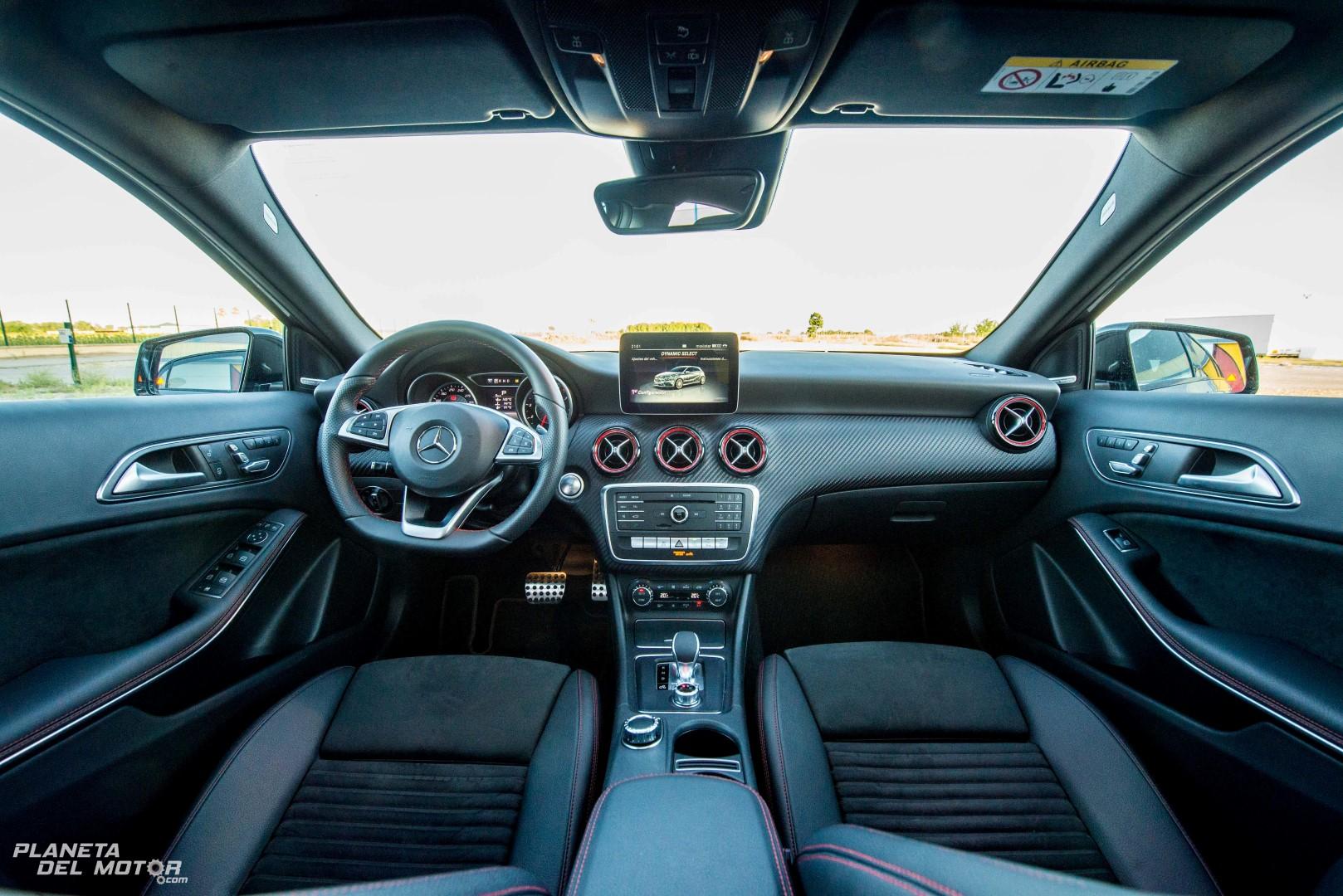 Interior clase a amg 12 planeta del motor for Interior clase a