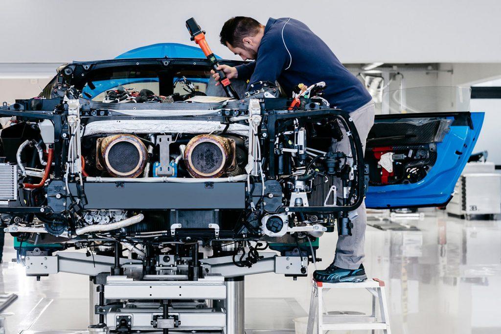 Bugatti Chiron revisión