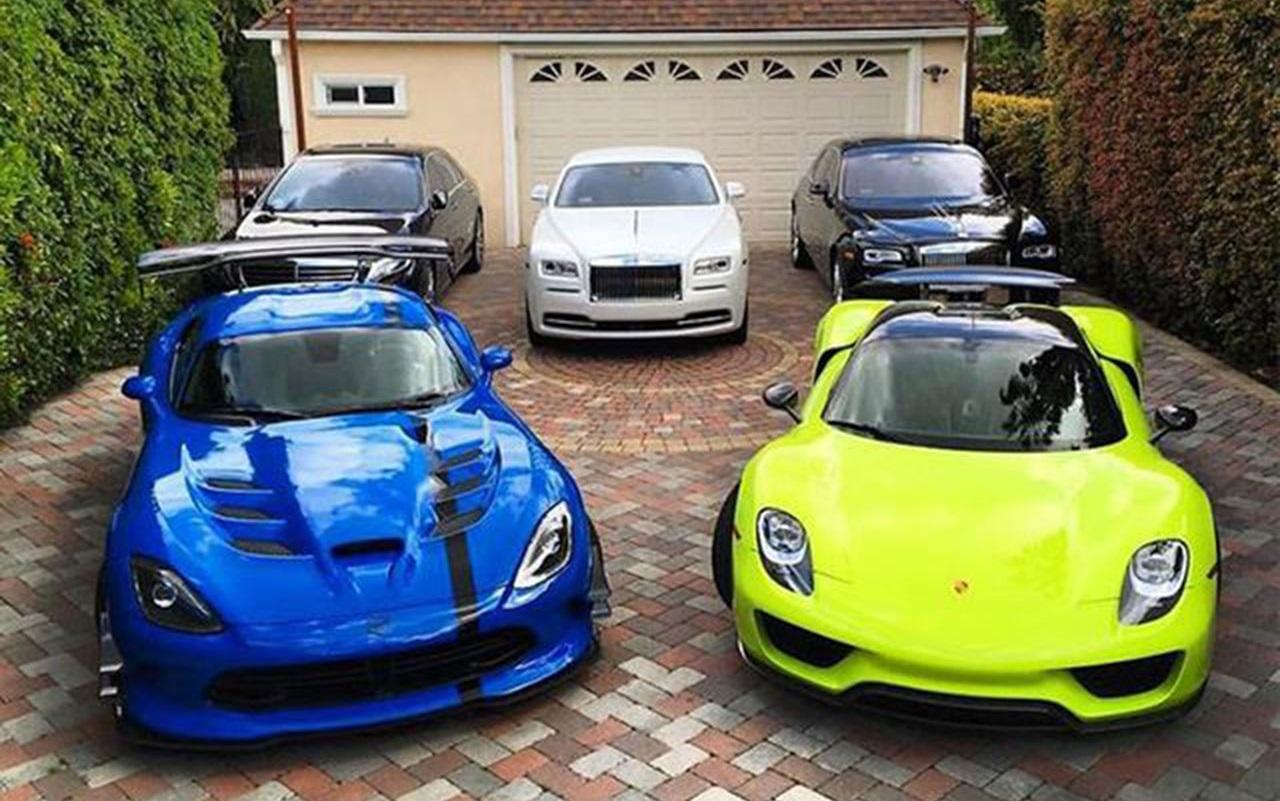 Cu l ser a tu garaje ideal de 3 coches planeta del motor - Garaje de coches ...