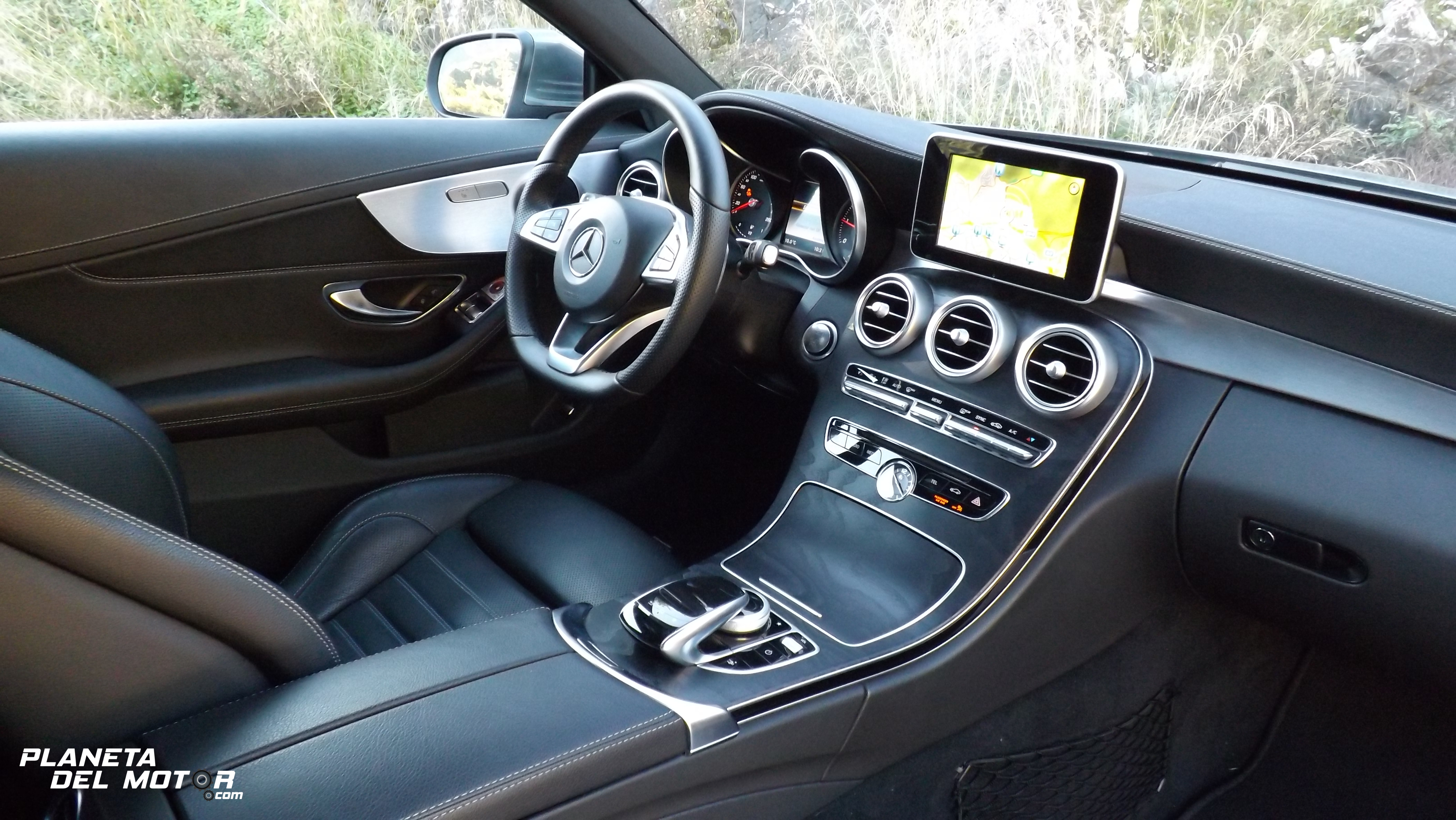2017 mercedes c coupe interior 22 planeta del motor for Interior mercedes clase c